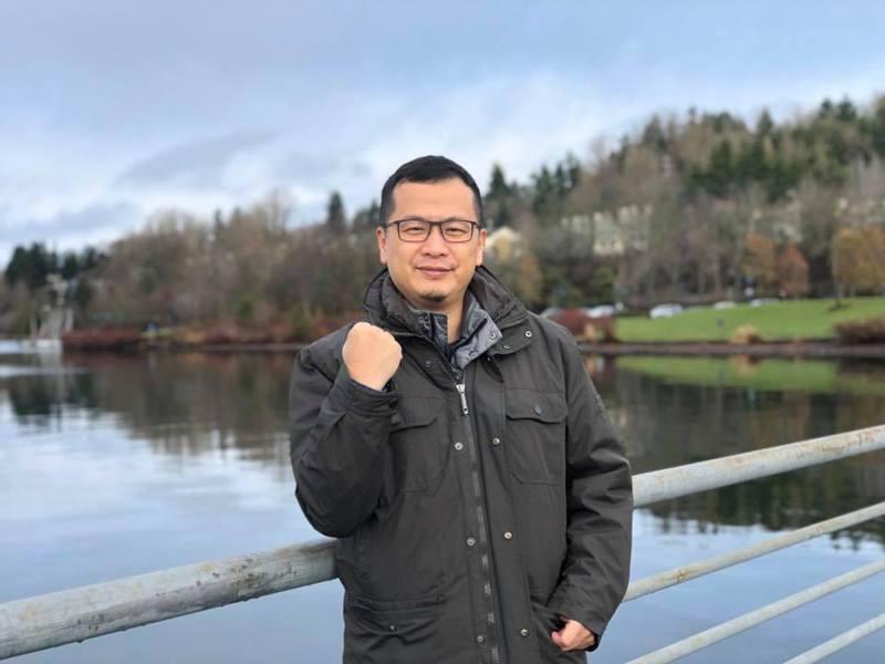 國民黨台北市議員羅智強今上午在臉書發文表示,他的粉絲已經突破107萬,決定兌現承諾,「正式宣布參選2022台北市長」。圖/羅智強臉書