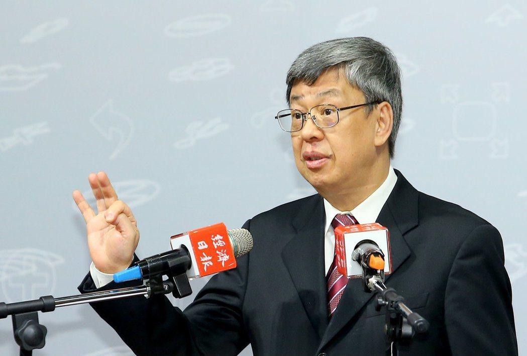 副總統陳建仁昨天表示,新冠病毒逐漸演變成為高傳染、低致死,可能漸漸演變成類似流感...
