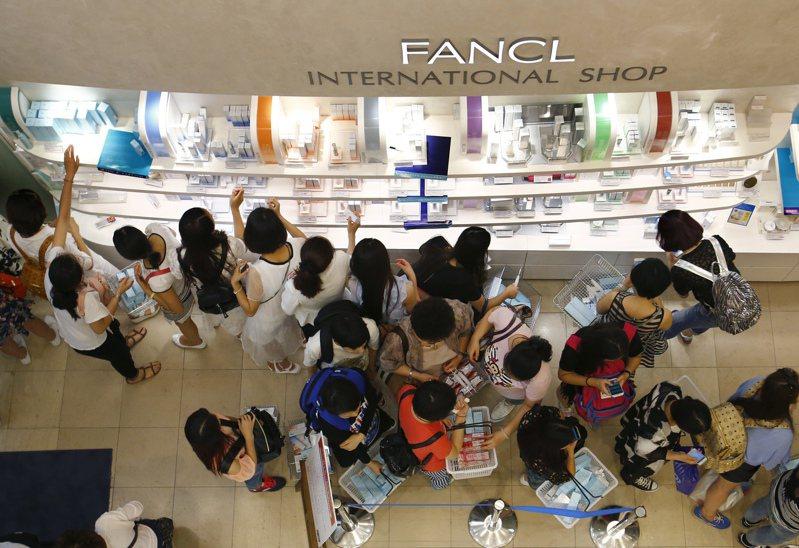 日本零售業憂心大陸旅遊禁令衝擊業績。美聯社