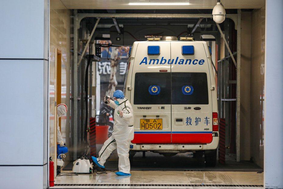 武漢肺炎累計報告確診病例已達2744例,累計死亡病例80例。歐新社