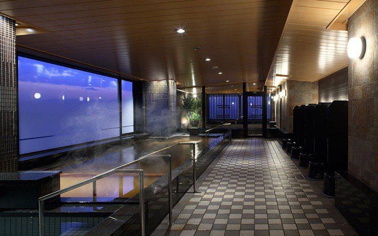 蒙特利酒店擁有時尚裝潢與地底湧出的天然溫泉。圖/京都市台灣推廣事務所提供