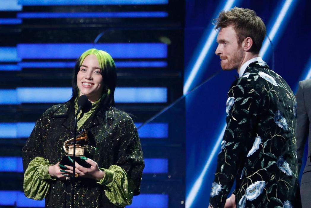 怪奇比莉成為葛萊美獎最大贏家,堪稱最強新秀。(路透)