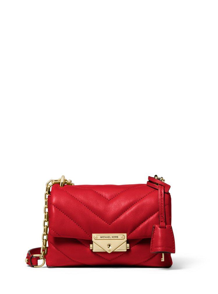 MICHAEL KORS CECE紅色縫衍小羊皮鍊包,售價14,000元。圖/M...