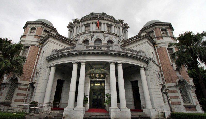 監察院,已故同仁的牌位放在穹頂兩側的「衛塔」內。報系資料照片