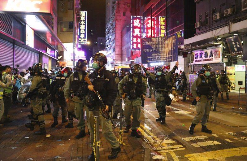 住在德國的香港人聯名向國會請願,要求德國政府採取行動制止港警暴力,國會請願委員會為此召開公聽會。 美聯社