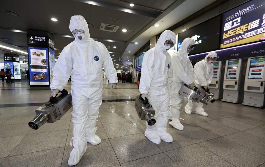 加拿大卑詩省今天宣布,溫哥華出現省內首起新型冠狀病毒「推定」病例,繼安大略省一確診、一推定之後。圖/法新社