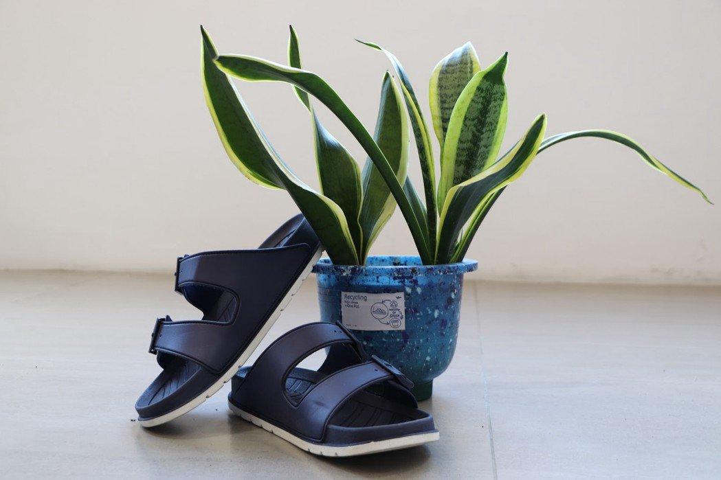 由循環鞋履計畫製成的每個花盆都有著獨一無二的外型。 圖/林鉦翰攝影