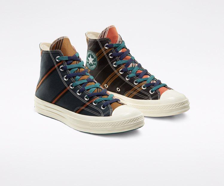 Converse Varsity Chuck 70鞋款,售價3,280元。圖/C...