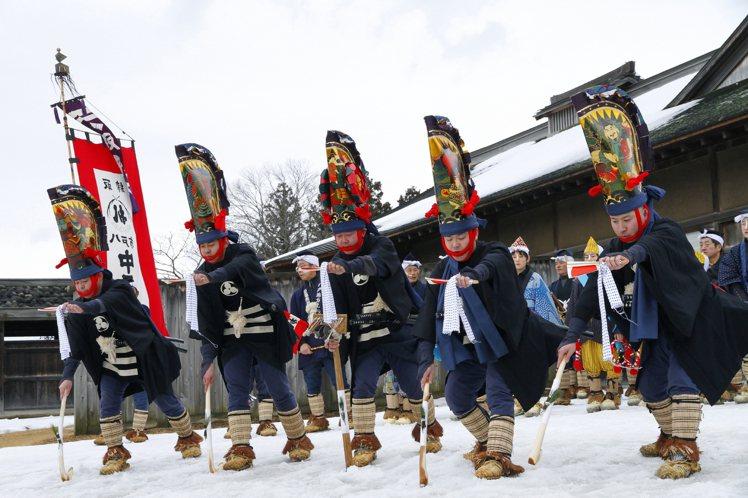 八戶柄振舞為陸奧五大雪祭之一,更被指定為國家重要無形民俗文化財。圖/JR東日本提...