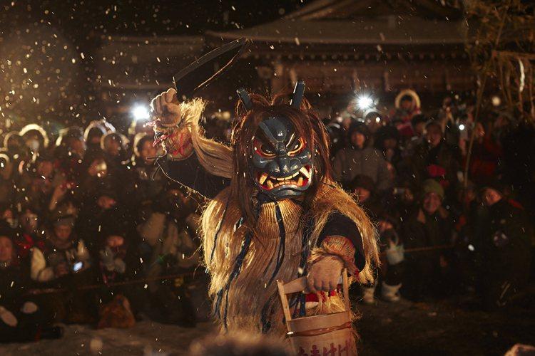 男鹿柴燈祭為陸奧五大雪祭之一,為男鹿冬季代表祭典。圖/JR東日本提供