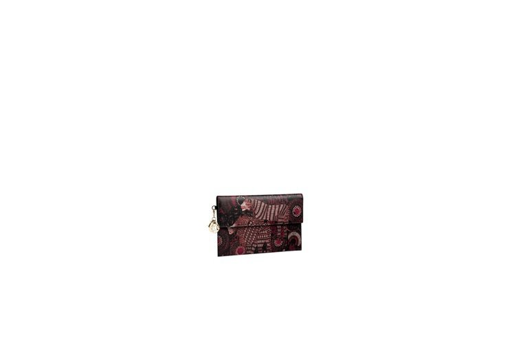 DIOR Lady Dior紫紅色獅子印花小牛皮短夾,售價52,000元。圖/D...