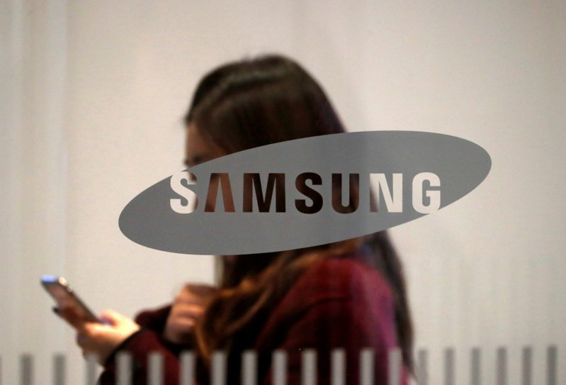 韓媒報導,三星電子已向艾司摩爾(ASML)下單,要採購約20台EUV微影設備。    路透