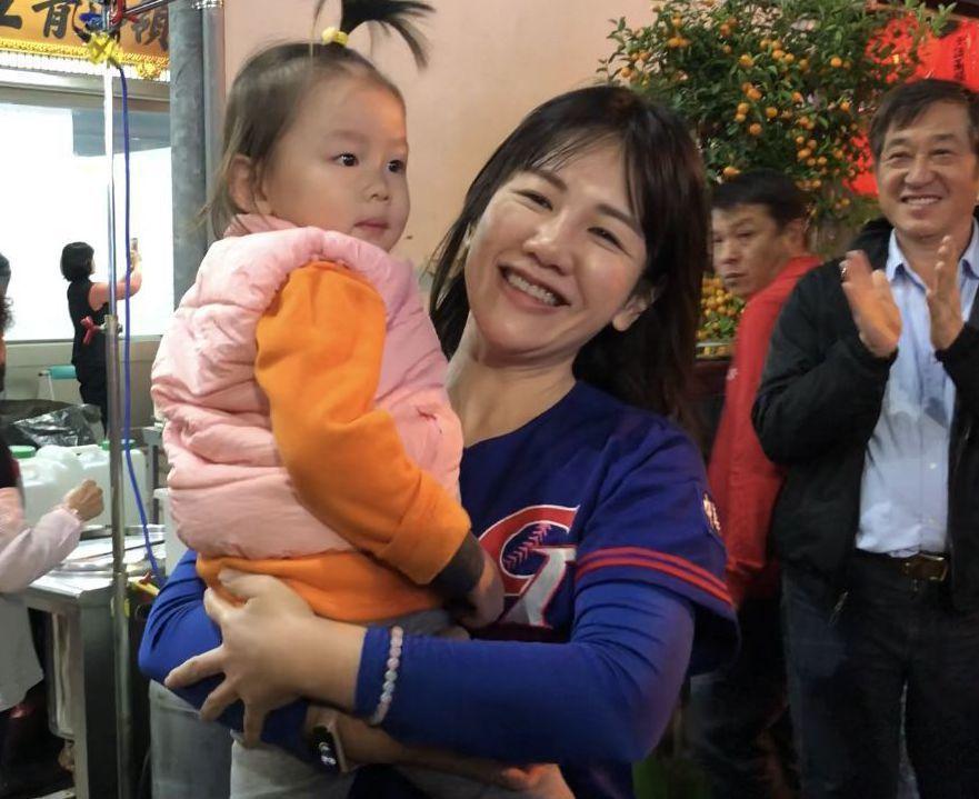 謝衣鳳曾任母親鄭汝芬的國會辦公室主任。 圖/聯合報系資料照片
