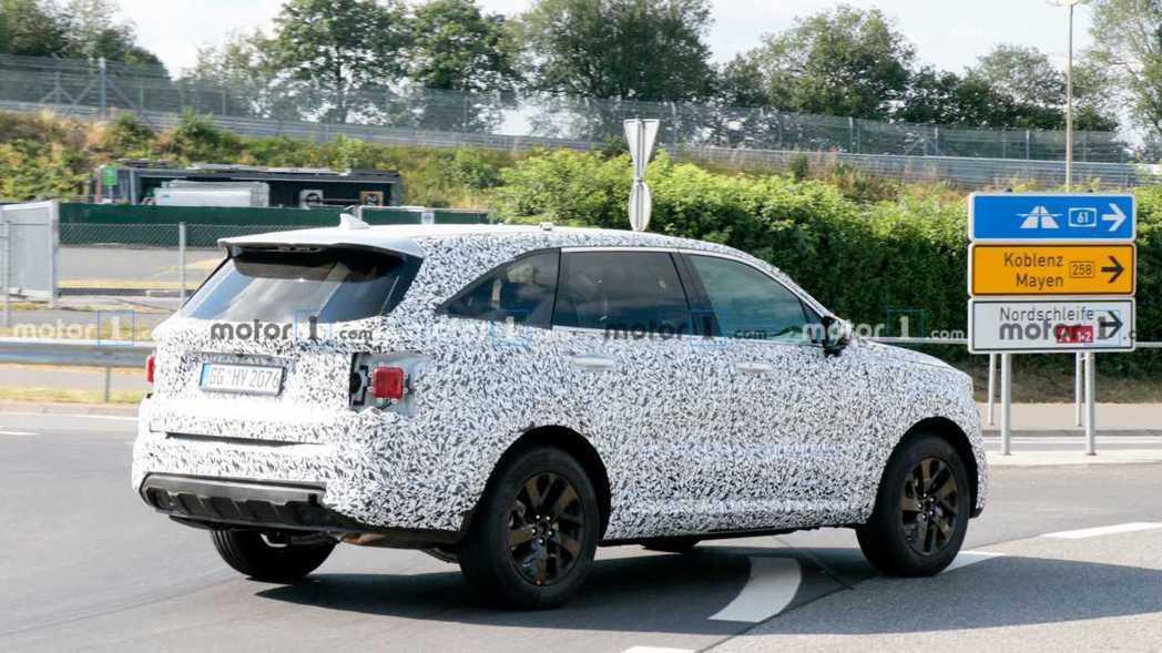 第四代Kia Sorento除了會有一般內燃機的動力外,也將推出Hybrid、P...