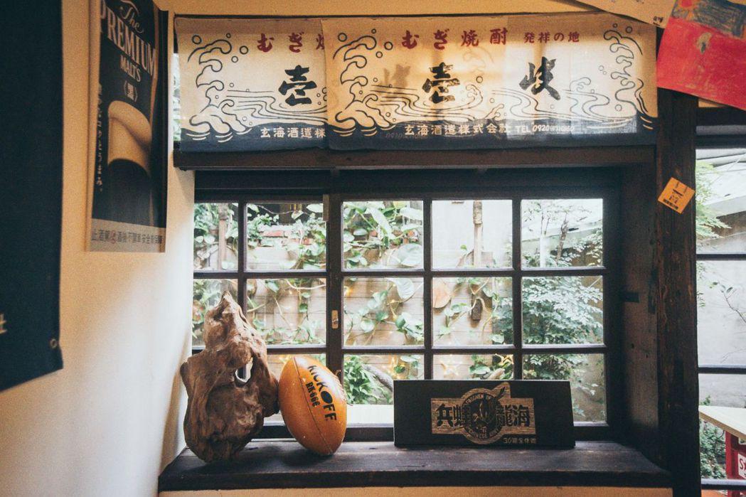 大村武創始團隊是一群體育生,可以在大村武店舖裡發現許多具有巧思又有紀念意涵的小物...