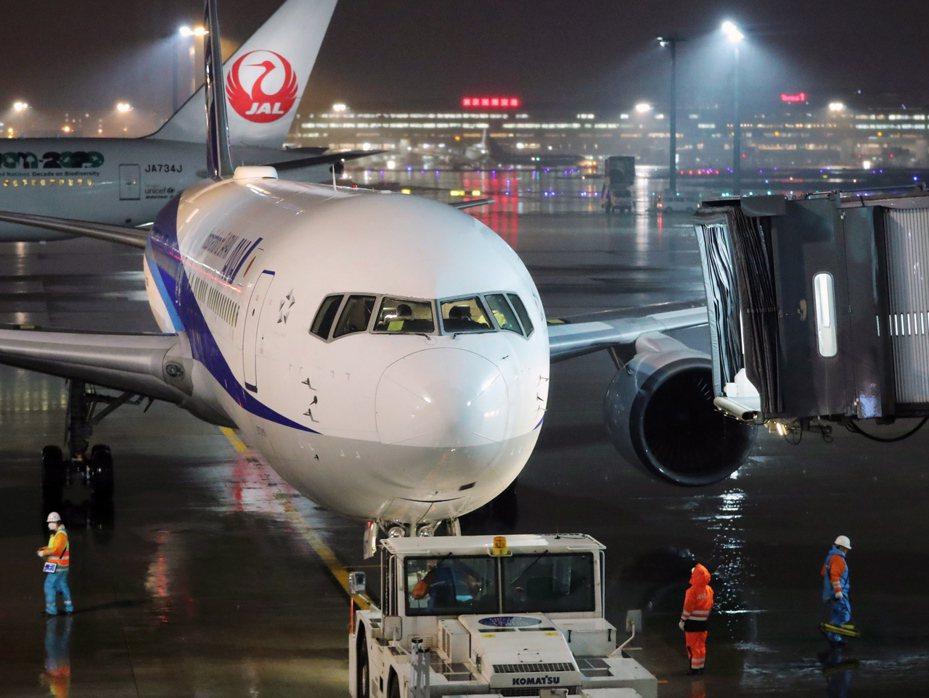 日本政府要從武漢撤僑的民航機,日本時間今晨5時57分已從武漢機場出發。歐新社