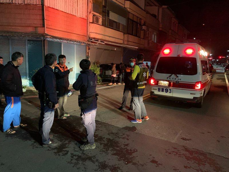 台東市正氣北路339巷今天凌晨4點多發生離奇車禍,小客車無端撞進1棟透天厝民宅裡。記者羅紹平/翻攝
