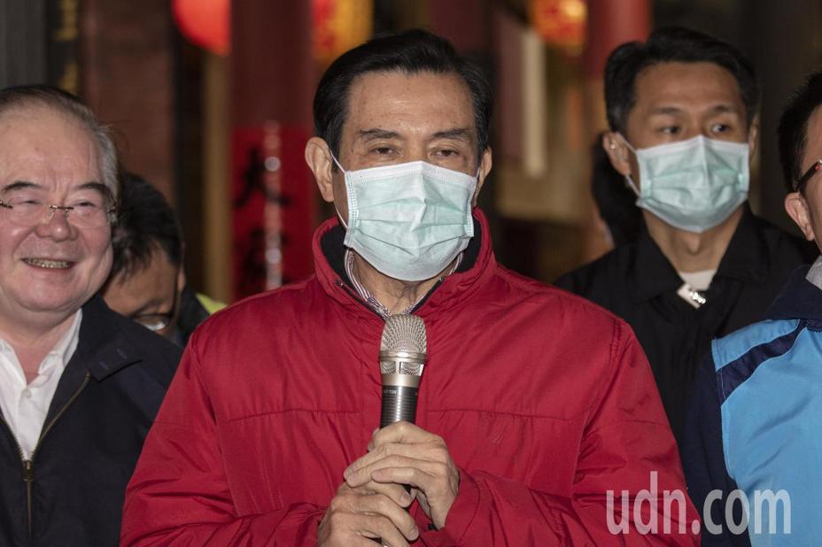 前總統馬英九今上午參拜新北三重先嗇宮。記者王敏旭/攝影