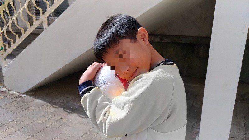 新竹市感恩季「圓夢計畫心願卡活動」去年底推出後共有470張心願卡待完成,在民眾大力認購、廠商熱情投入及媒體溫暖報導下,讓470位孩子美夢成真。圖/社會處提供