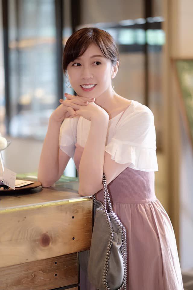 知名作家「中古小姐」。圖/摘自臉書