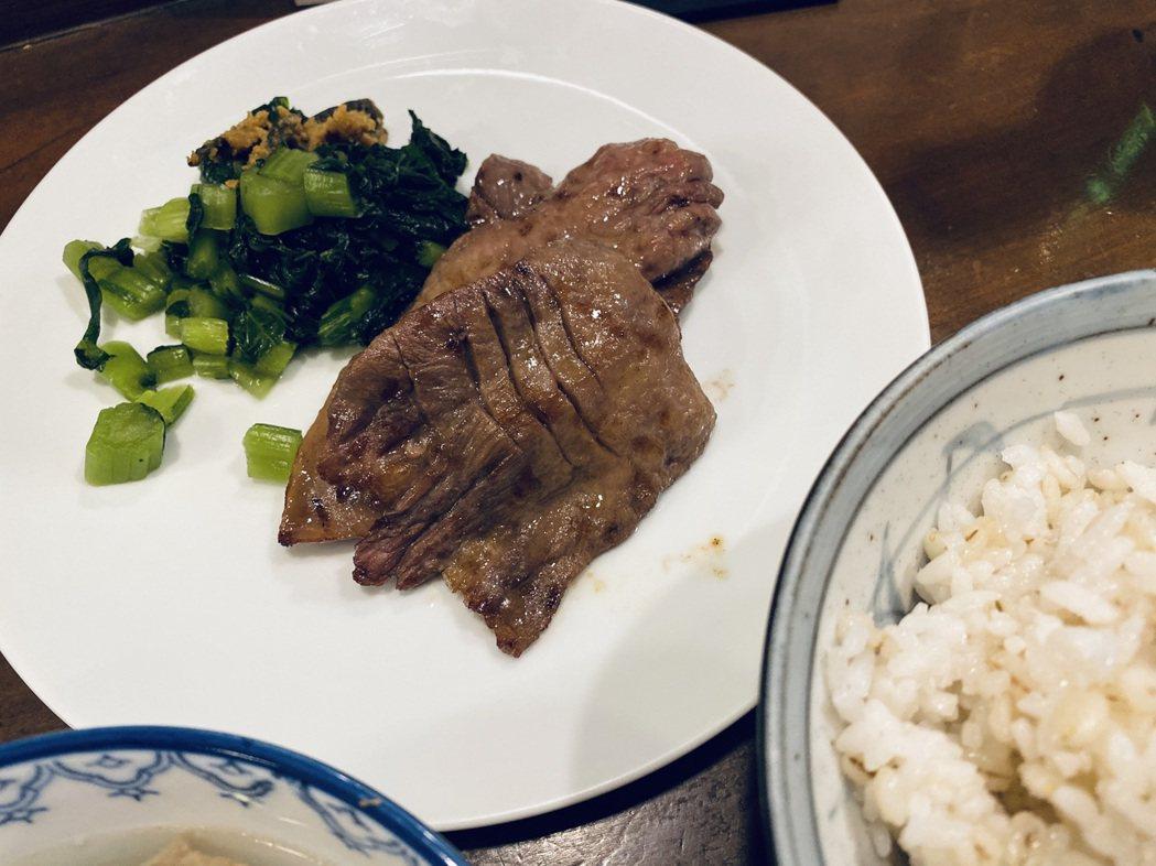 愛紗相當推薦仙台的老字號牛舌餐廳「味太助」。圖/愛紗提供
