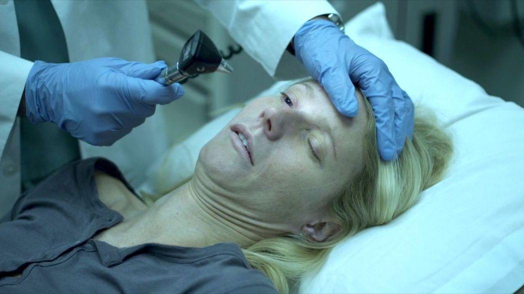 葛妮絲派楚在「全境擴散」中染病,下場悲慘。圖/摘自imdb