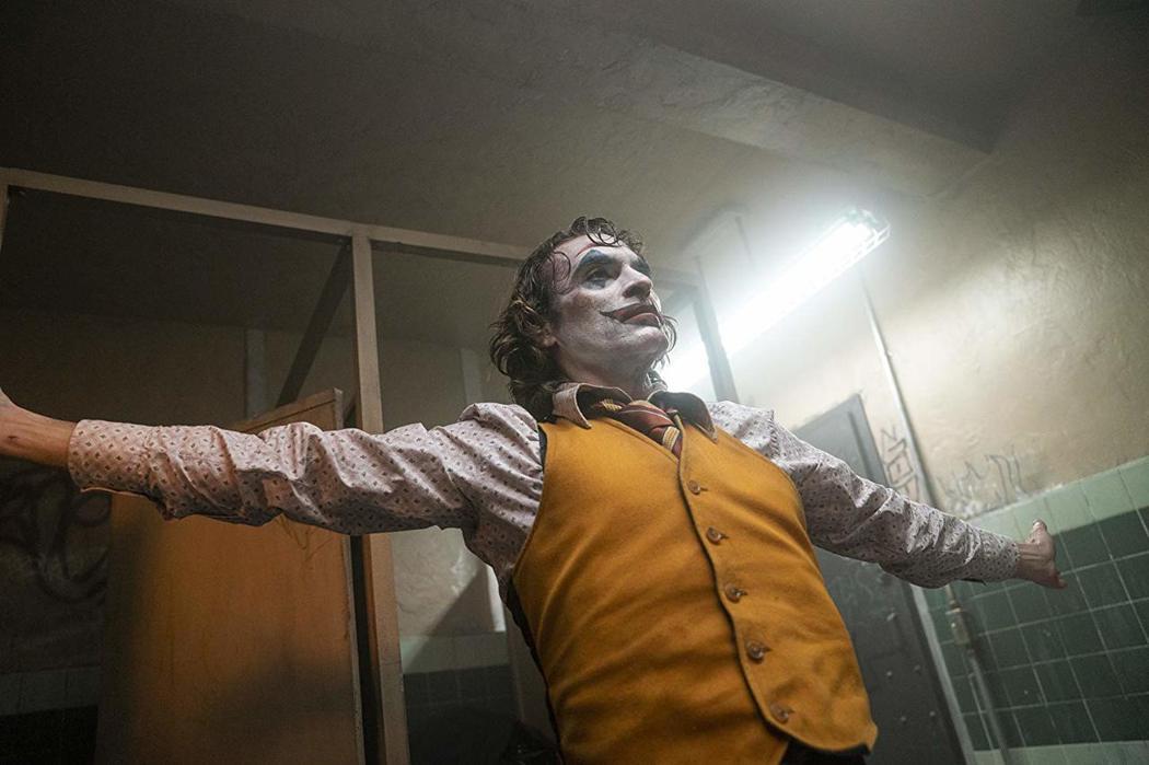 瓦昆菲尼克斯以「小丑」獲金球獎影帝。圖/摘自imdb