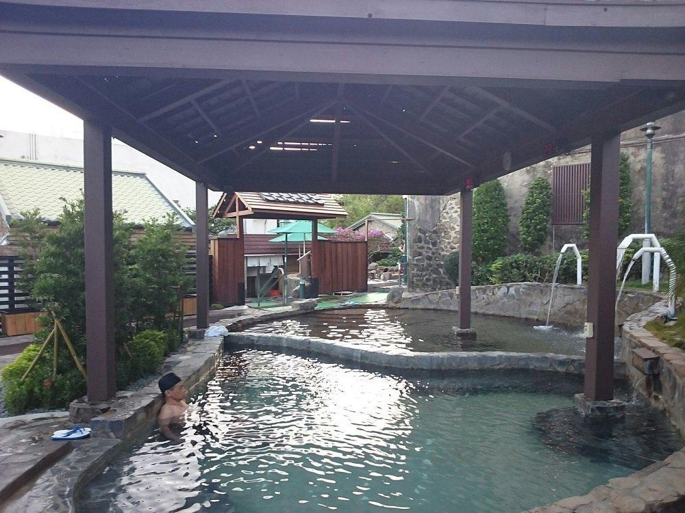 四重溪溫泉被列為台灣四大名泉之一,也是台灣最南的溫泉。 圖/屏東縣政府提供