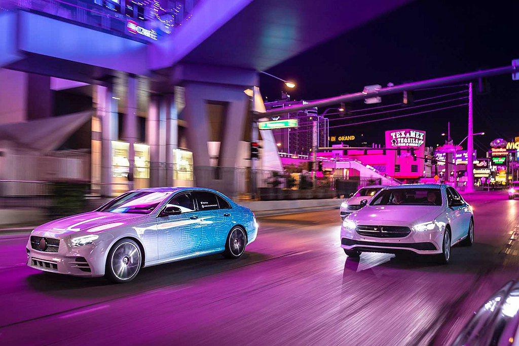 小改款賓士E-Class針對行車輔助科技導入更多、更先進的技術。 圖/Merce...