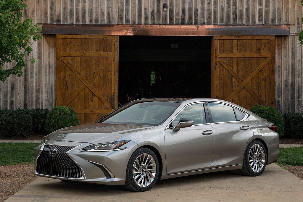 大改款Lexus ES於美國2019年銷售成長5.9%、總量5.1萬輛,是品牌在...