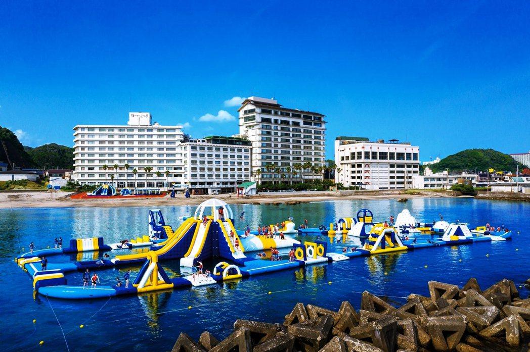 圖為位於千葉的政府指定收容飯店「勝浦HOTEL三日月」,業者也憂心未來是否會遭遇...