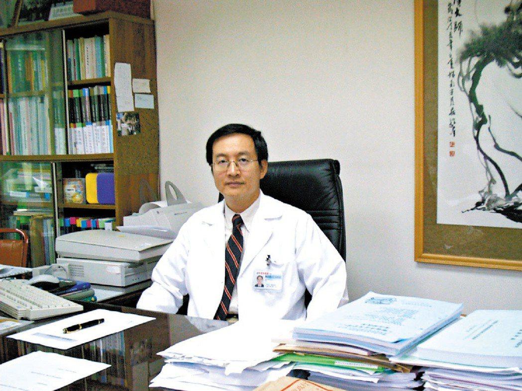 時任高雄榮總感染科醫師顏慕庸 報系資料照 記者陳家傑/攝影
