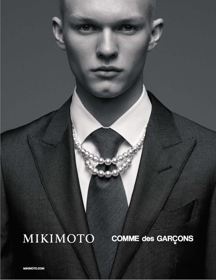 前衛設計風格的COMME des GARÇONS,這回企圖以珍珠顛覆男裝的意識堡...