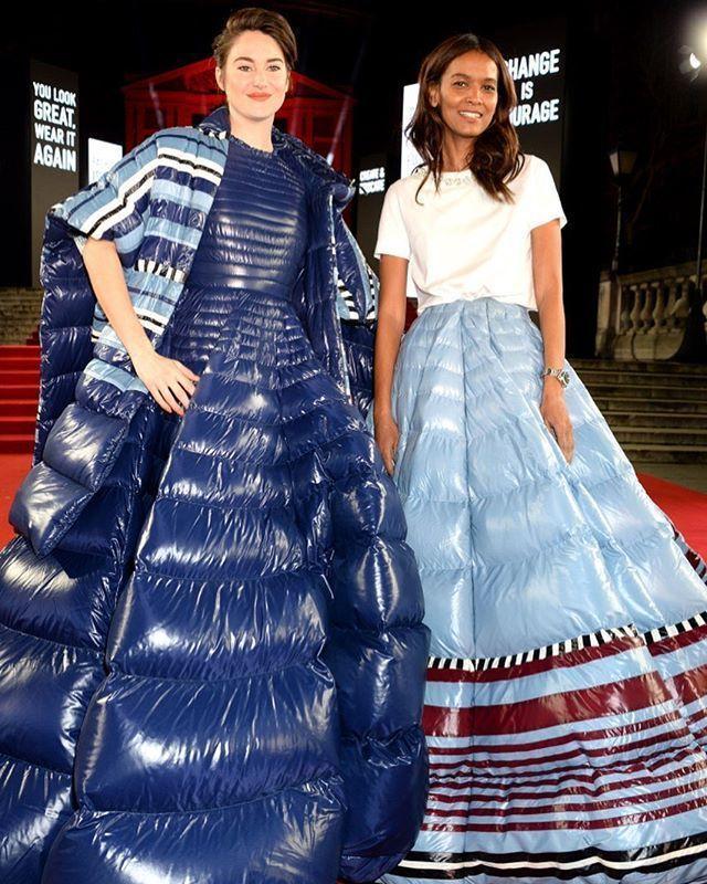 女星雪琳伍德利在2019英國時尚大獎紅毯上,和超模Liya Kebede(右)都...
