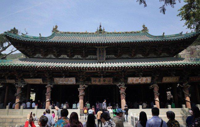 山西太原晉祠內最著名的建築聖母殿。 中新社