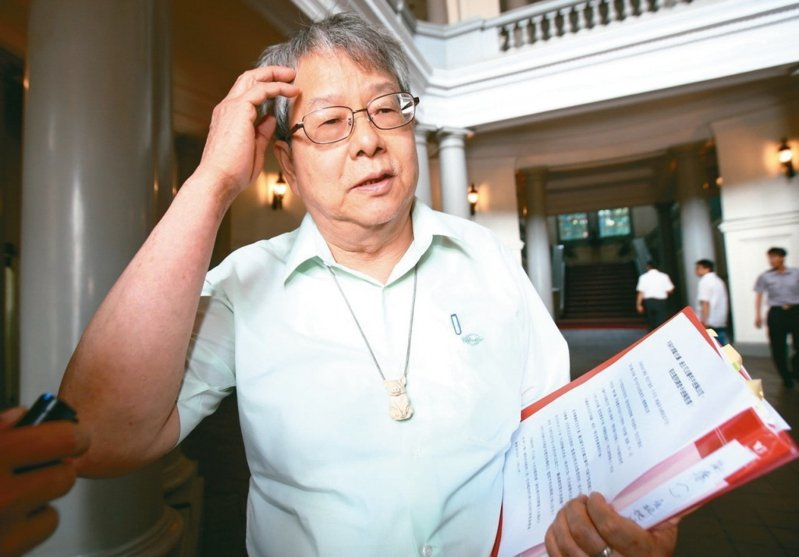 監察院今天表示,監委陳師孟請辭,將於2月1日生效。 報系資料照