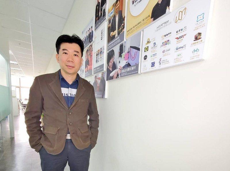 李長賡擁有18年金融業背景,歷任香港高富私人銀行副總、亞迪財富管理高管、美商宏利...