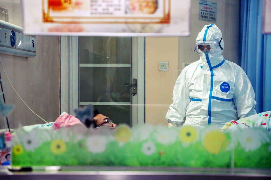 譚德塞反覆強調:「中國的防疫應對,已經做得很棒了...WHO之所以頒布PHEIC...