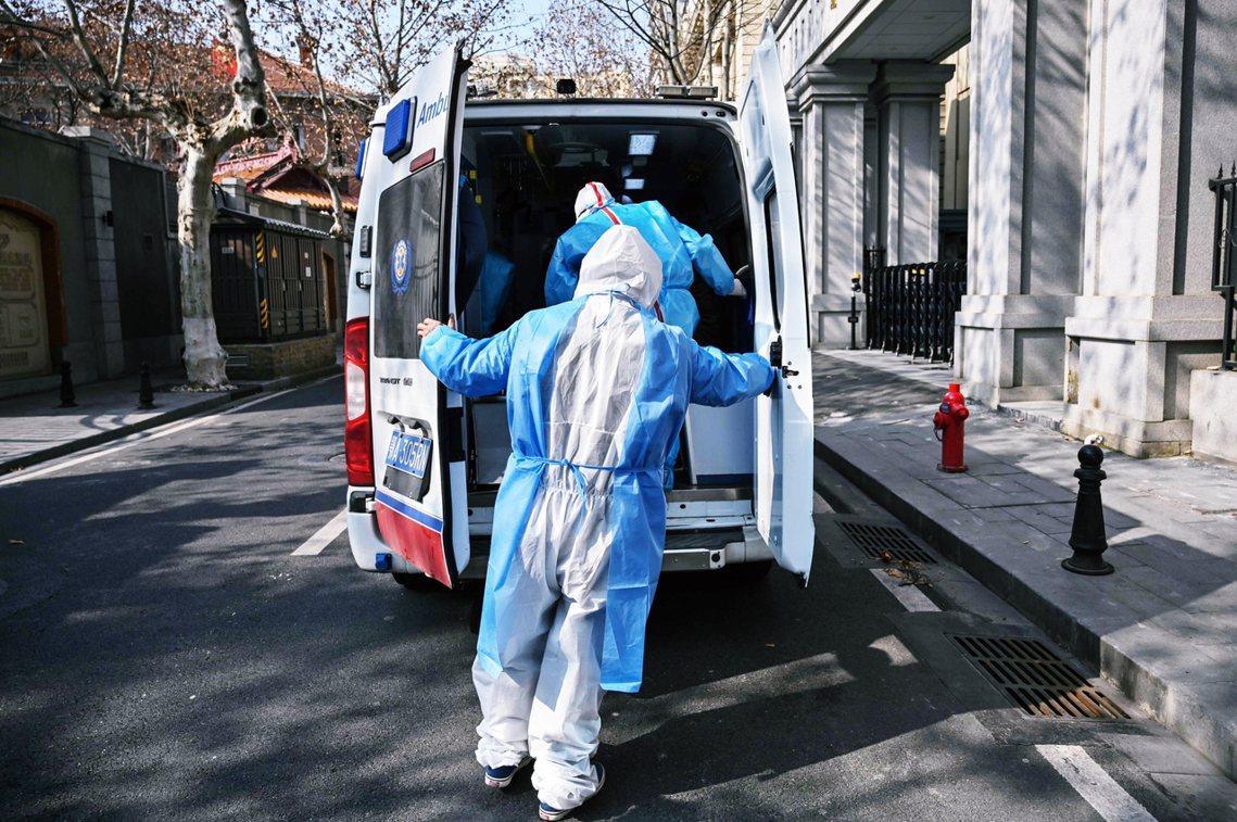 武漢醫界向美國醫學期刊發出的最新論文顯示——早在12月中,中國就已出現了明顯「病...