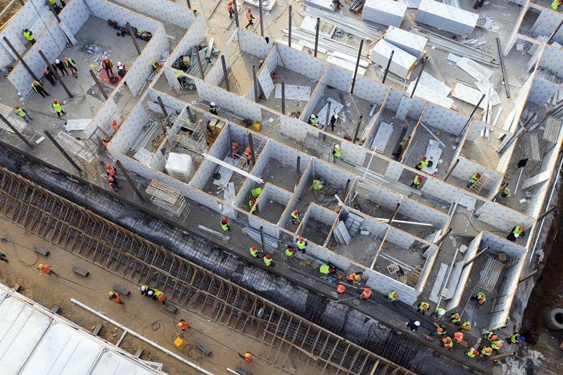 正在建設中的「火神山」醫院,完工後將收治感染新型冠狀病毒病患。圖攝於1月30日,...