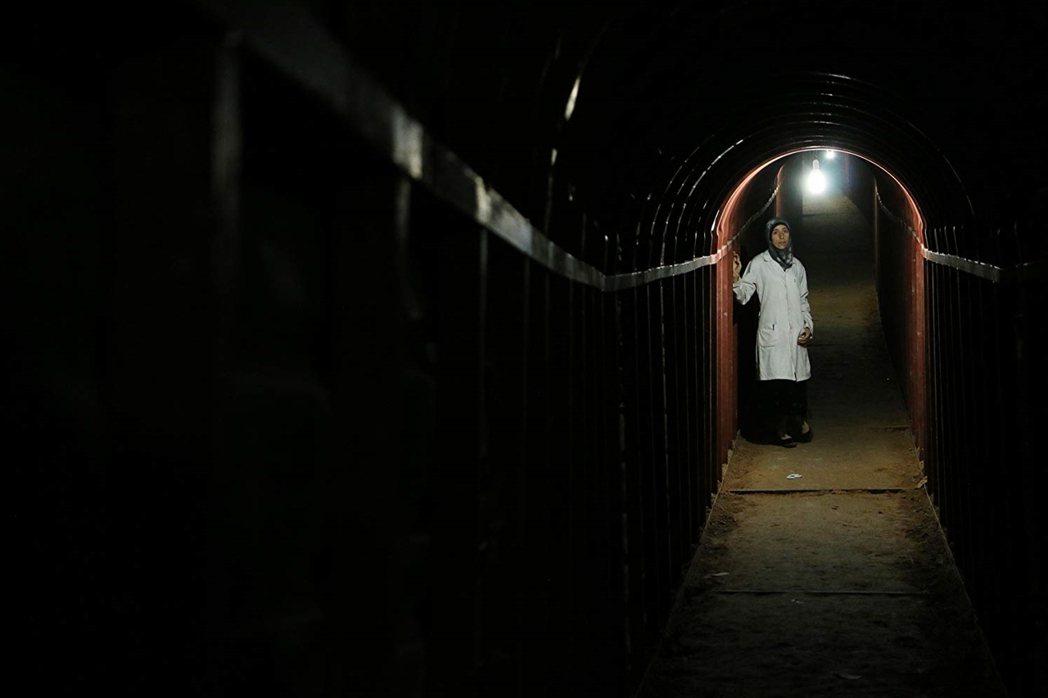 《The Cave》劇照。 圖/IMDb
