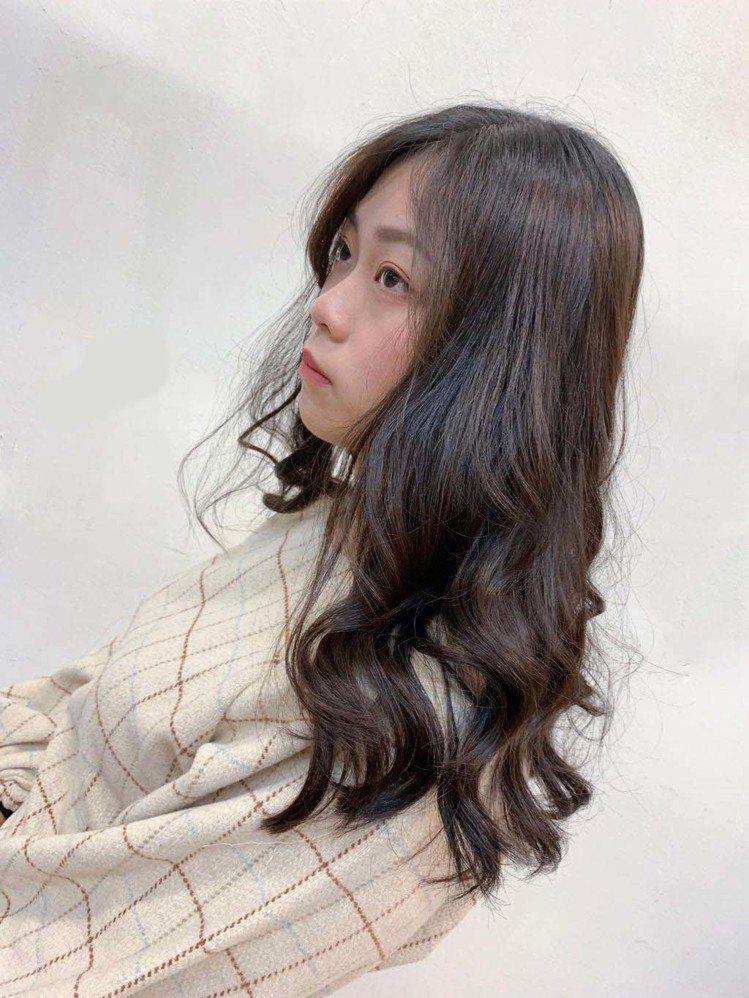 髮型創作/ M2創意美髮沙龍 / Kobe嘉威,圖/StyleMap美配提供