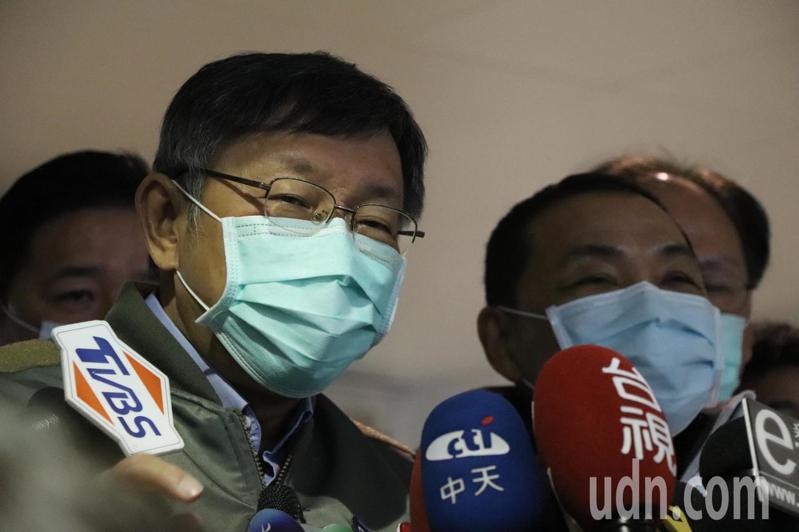 世界衛生組織(WHO)昨晚確認將武漢肺炎列入最高警戒級別的「國際公共衛生緊急事件」,現在卻排除台灣加入會議,台北市長柯文哲強調,「台灣不可以被排除在世界防疫體系之外」,要讓台灣可以參加WHO,他覺得大陸方面還是要思考,還說「你每一項都轟炸,我跟你拚了」。記者江婉儀/攝影