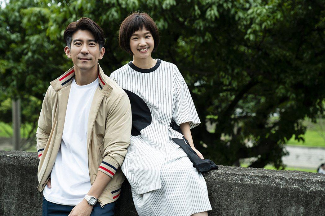 嚴正嵐(右)在「天堂的微笑」戲中飾演修杰楷的18歲女兒。圖/TVBS提供