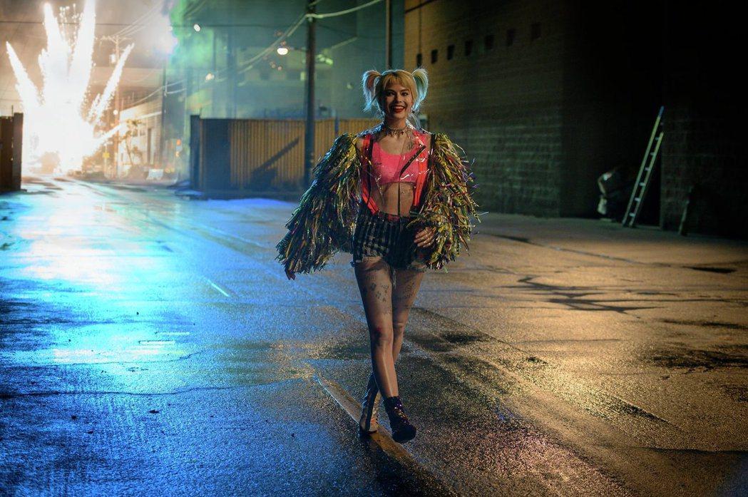 「小丑女」瑪格蘿比領軍「猛禽小隊」,將在2月6日上映。圖/華納兄弟提供