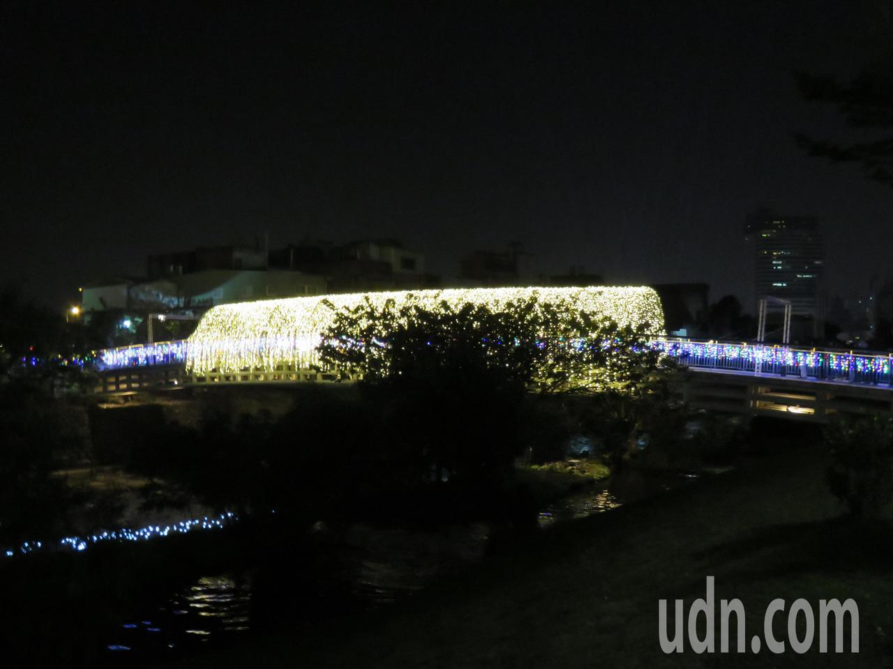 2020桃園燈會老街溪燈海隧道。記者張弘昌/攝影