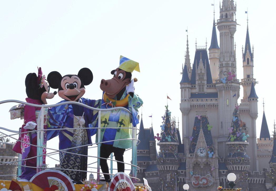 東京迪士尼將從明天開始到3月15日止閉園2週。 美聯社