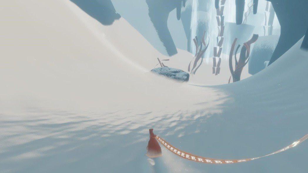 《風之旅人》用跳躍移動解謎,玩起來暢快舒適。圖片來源:thatgamecompa...