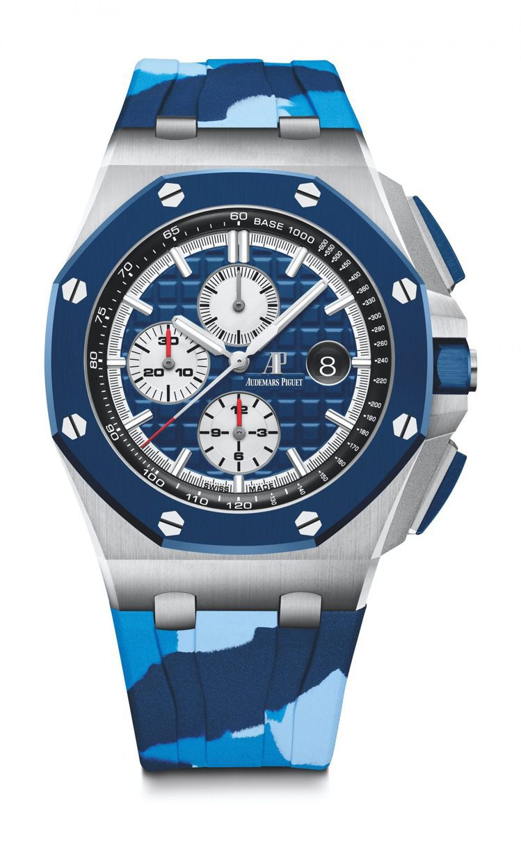 將藍色與迷彩結合的愛彼皇家橡樹離岸型計時碼錶,散發鮮明的運動氣息。102萬9,0...