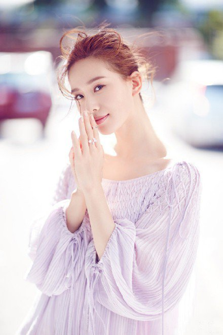 劉詩詩拍攝新戲「親愛的自己」停工。圖/摘自微博
